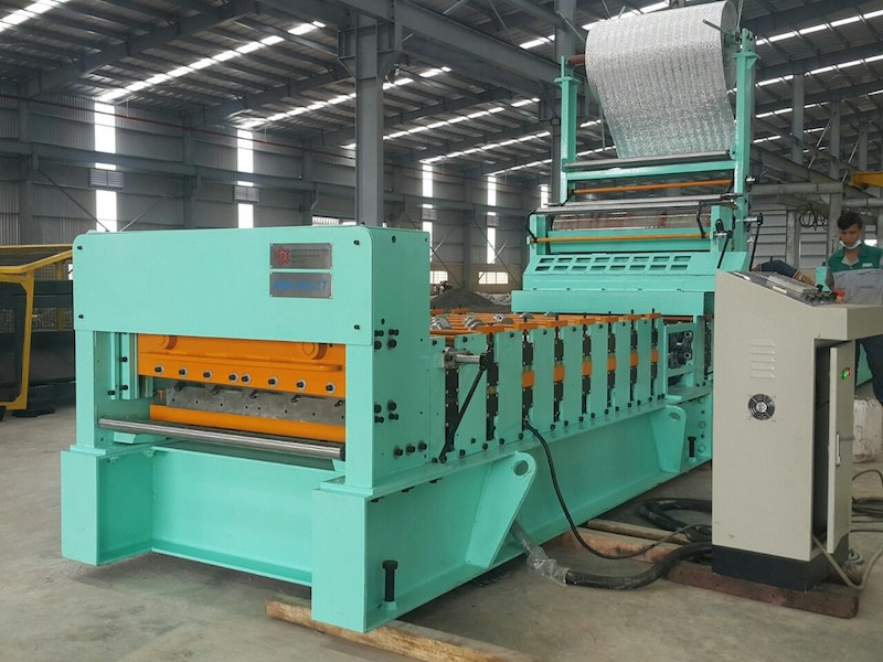 PE Foam Roof Panel Roll Forming Machine
